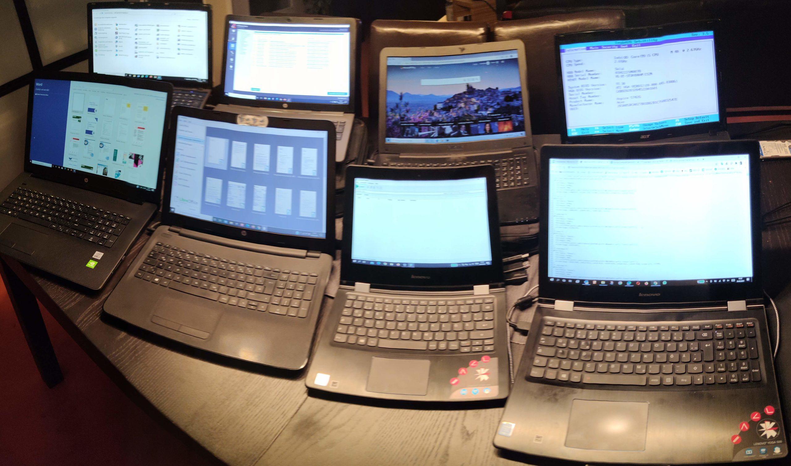 Acht Notebooks gleichzeitig
